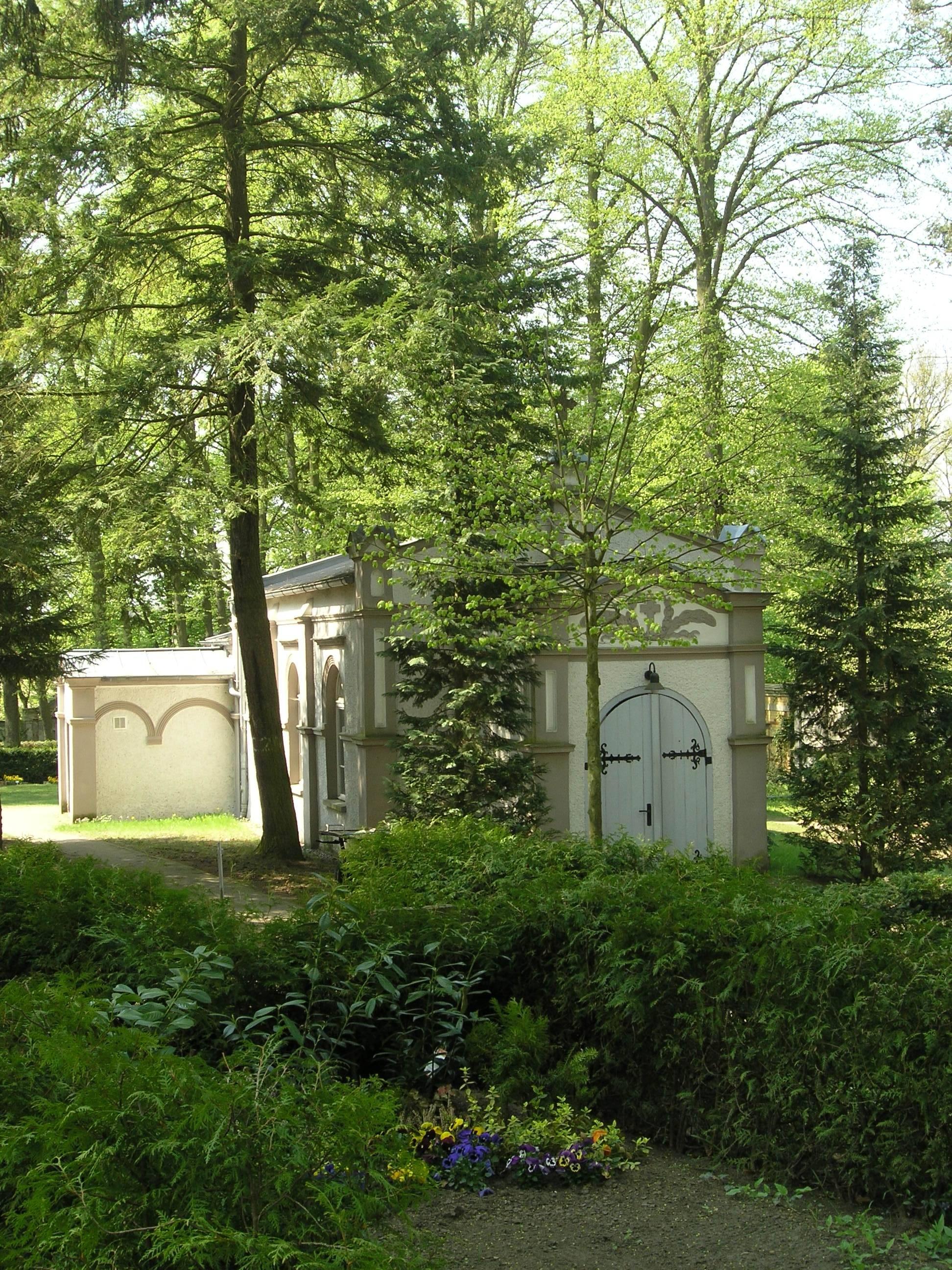 BAR-Biesenth-Friedhofskap.jpg