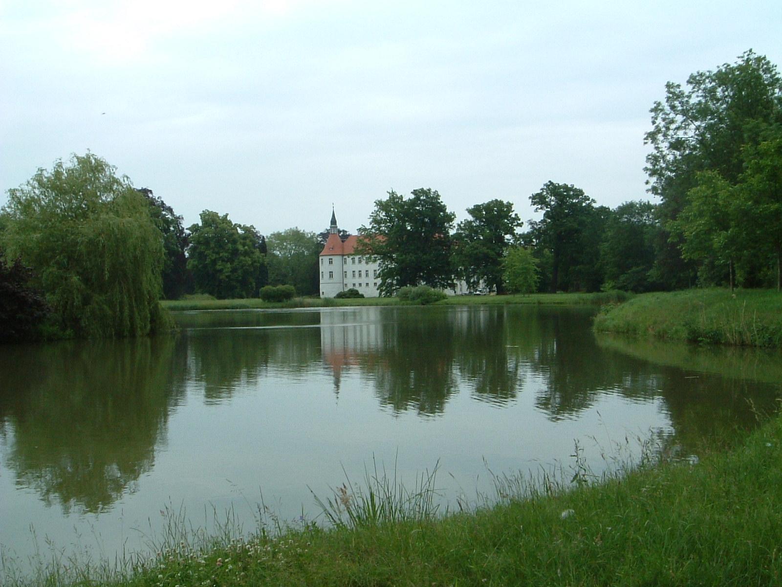 LDS-FuerstlDrehnaSchlosspark.jpg