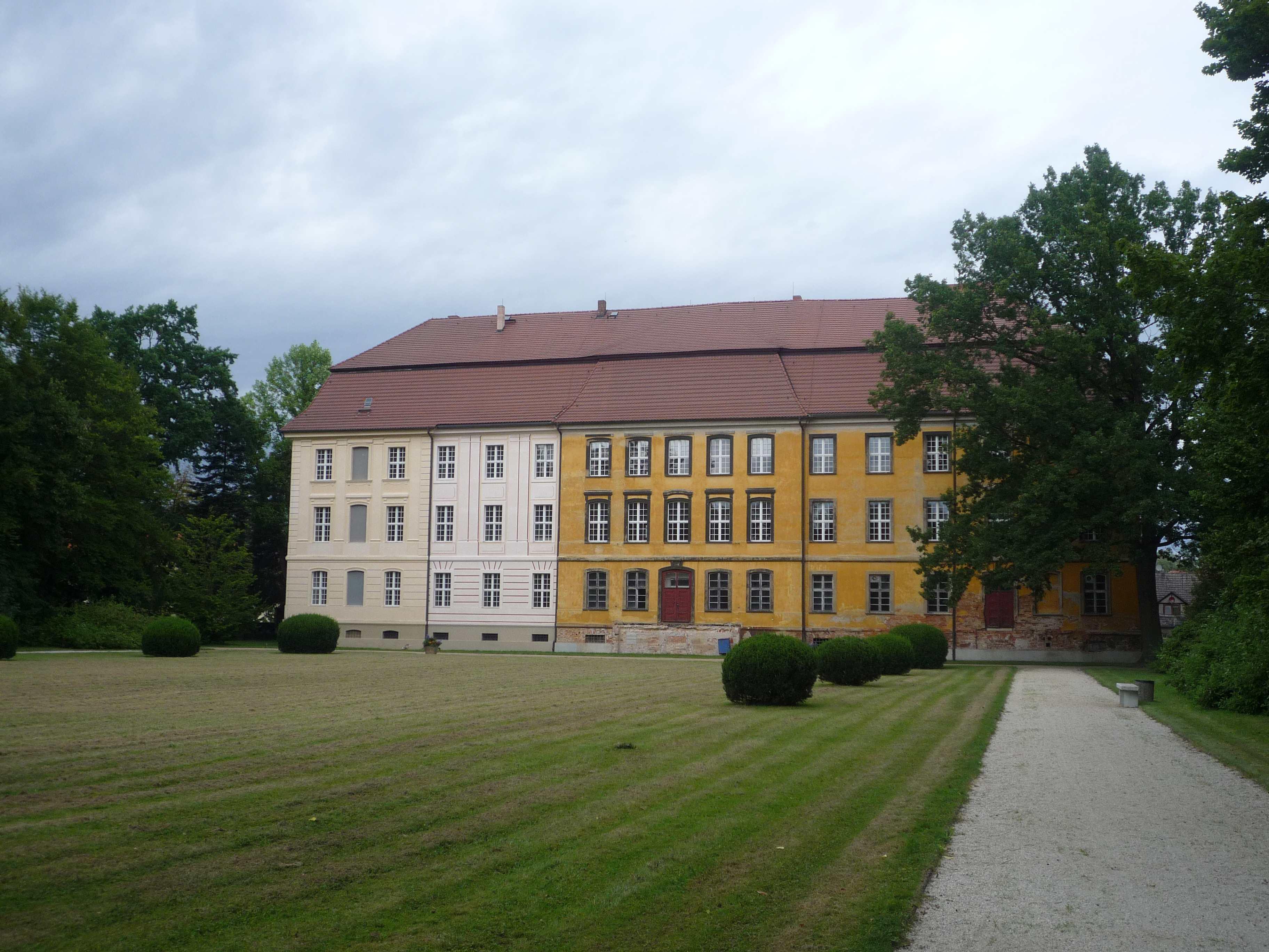 LDS-Lieberose-Schloss0-SG-2017.jpg