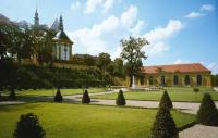 EE-Neuzelle_Klostergarten.jpg