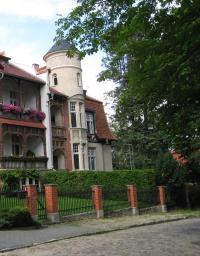 MOL-BadFreienwalde-AHeeseStr10-Villa-IS-2011.jpg