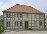 UM-Ang-Kirchplatz3-Schule-Profitl-2013.jpg