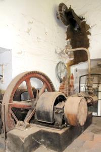 UM-Biesenbrow-Hofende12-Dampfmaschine-Bax-2013.jpg